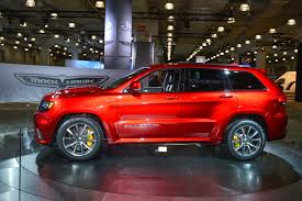 luxury jeep grand cherokee 2018 jeep grand cherokee trackhawk review top speed