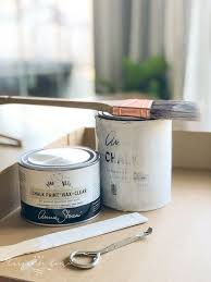 how much chalk paint do i need for kitchen cabinets how to use sloan chalk paint for beginners