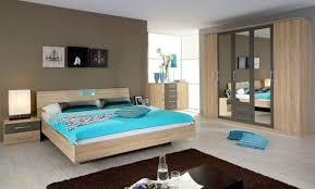 chambre adulte en bois massif décoration chambre contemporaine bleue 99 besancon chambre