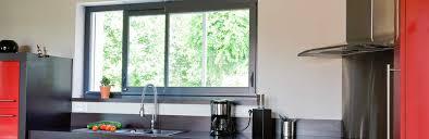 fenêtre coulissante cuisine fenêtre d atelier pour cuisine