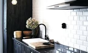 carrelage cuisine blanc plaque mural cuisine une cracdence de cuisine avec carrelage mural