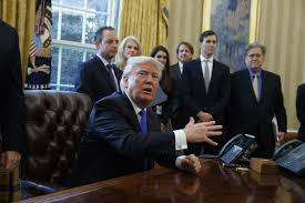 trump oval office pictures donald trump to sign executive order on border wall plans