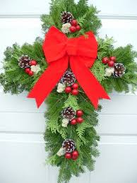 Decorating Fresh Christmas Wreaths by 57 Best Grave Saddles Blankets And Wreaths Images On Pinterest