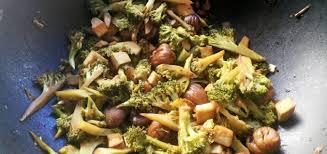 cuisiner des chataignes brocoli sauté aux châtaignes et tofu la cuisine t inquiéte
