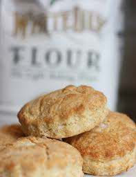 southern buttermilk biscuits and sausage gravy daisy u0027s world