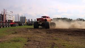 monster trucks shows 2015 monster truck accident at power truck show 8 8 2015 youtube