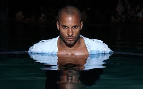 is actor ricky whittle single or married know his affairs and