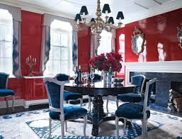 21 incredible new york city townhouses 1stdibs the dining room of this kemble interiors designed townhouse features a 19th century chandelier a doris leslie blau rug and of course gleaming red