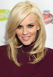 two layer haircut for girls exclusive details on jenny mccarthy s big return to two and a