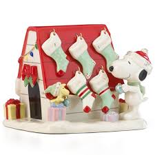 decorating with peanuts lenox snoopy brown
