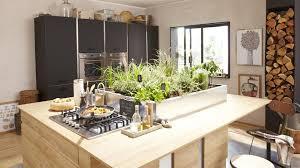 ilot de cuisine leroy merlin découvrez 10 cuisines imaginées par leroy merlin meuble noir