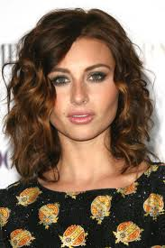 wavy hairstyles medium length thick hair best 20 frizzy wavy hair ideas on pinterest medium wavy hair