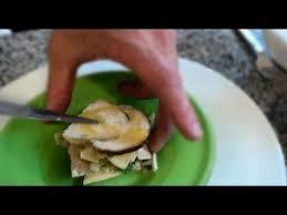 comment cuisiner des cepes frais cèpes frais le chef prépare une salade de cèpes bouchon