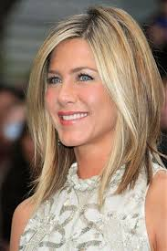 cute haircuts for women over 40