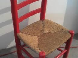 chaise en bois et paille comment renover des chaises en bois amazing peindre des chaises en