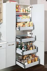besenschrank küche hochschränke für die küche flexibel nutzbarer stauraum