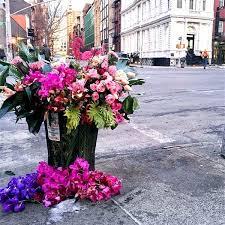 flowers today flower bandits transform nyc trash cans into beautiful bouquets