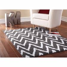 White Round Rug by Guides U0026 Ideas Charming Chevron Area Rug With Cool Pattern