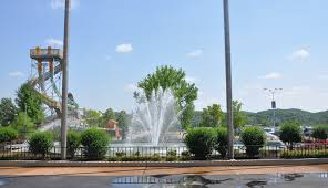 6 Flags Saint Louis Six Flags Saint Louis Entrance Plaza Fountain Image