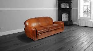 nourrir cuir canapé comment entretenir un fauteuil en cuir