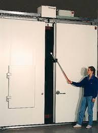 porte de chambre froide porte coulissante en métal pour chambre froide industrielle