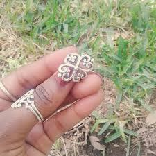 avery adorned hearts ring 37 avery jewelry avery adorned hearts ring sz 5