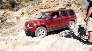 lifted jeep patriot fdii jeep patriot off road coming down obstical box canyon