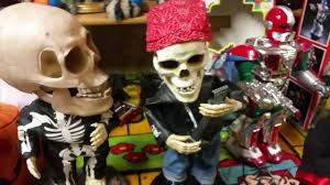 halloween dancing skeleton gemmy halloween animated dancing skeletons youtube