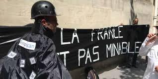 m sur le bureau le dossier des mines bretonnes arrive sur le bureau de macron