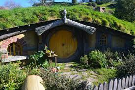 hobbits live in new zealand where to travel today hobbit house in new zealand