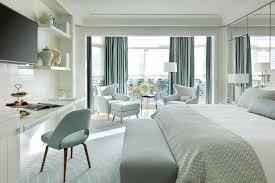 femme de chambre cannes le grand hyatt cannes hôtel martinez dévoile ses nouvelles chambres