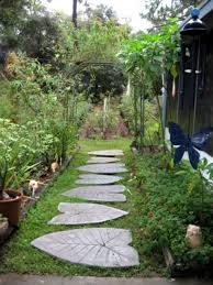 cheap and practical garden path and walkway ideas 52 wartaku net