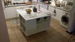 ilot centrale pour cuisine un ilot de cuisine moderne pas cher bidouilles ikea