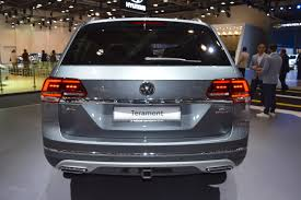 volkswagen dubai vw teramont rear at 2017 dubai motor show jpg indian autos blog