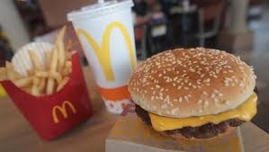 siege social mcdonald mcdonald s follows through with plan to use fresh beef in quarter