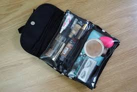 i would love to know what s do you guys put inside your make up travel bag