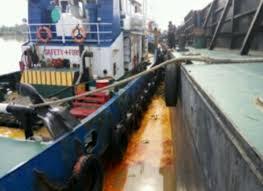 Minyak Cpo bahaya tumpahan minyak cpo di kuala cenaku diduga cemari sungai