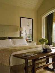 Inexpensive Bedroom Decorating Ideas How To Decorate A Master Bedroom On A Budget Interior Design Ideas