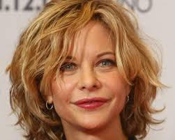 short hairstyles for women over 40 with curly hair en flower