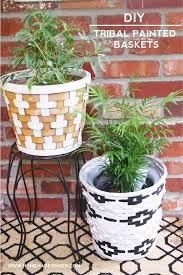 thrift store diy home decor diy tribal painted baskets for home decor diy candy