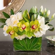 modern succulent cube flower and succulent arrangement in burbank
