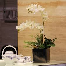 lovely accessories for dining table centerpiece decoration using