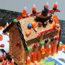 diy graham cracker haunted houses