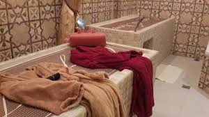 park su ci review moroccan bath at spa and beyond 2 massage beds with personal shower head attached to the bed