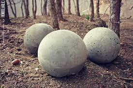 Garden Sphere Balls Remodelaholic Diy Cement Planters And Garden Globes
