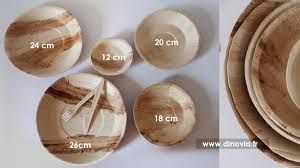 assiette jetable mariage les assiettes jetables rondes en bois pour des tables etniques et