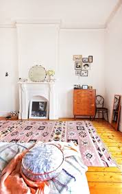 White Soft Rug A Bedroom With A Soft Pink Kilim Rug The Style Files