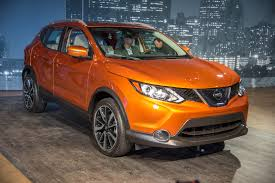 nissan small sports car 2017 nissan rogue sport qashqai debut to join the small crossover