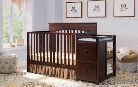 Delta Eclipse 4 In 1 Convertible Crib by Table Delta Children Canton 4 In 1 Convertible Crib Deco Awesome