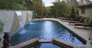 Kris Jenner Backyard La Fake Maison De Kris Jenner Dans Kuwtk Mise En Vente Vous Allez